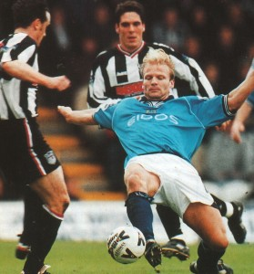 grimsby away 1999 to 2000 action3