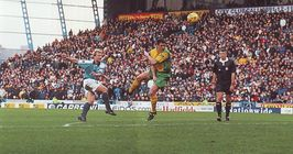 norwich home 1999 to 00 action2