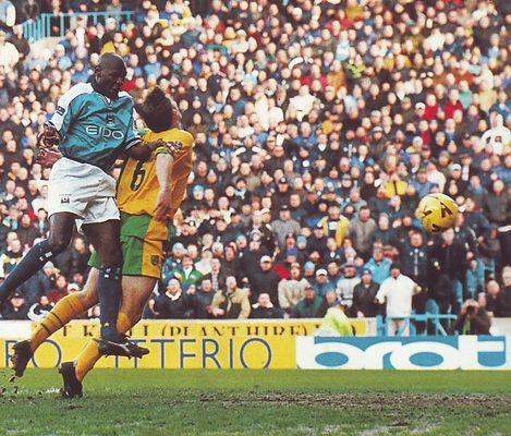 norwich home 1999 to 00 goater goal