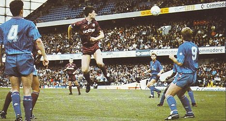 Chelsea away 1990 to 91 action