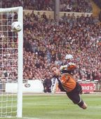 Gillingham playoff final 1998 to 99 action
