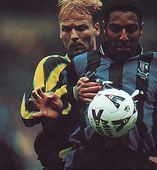 Gillingham playoff final 1998 to 99 action3