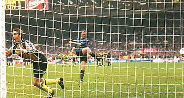 Gillingham playoff final 1998 to 99 butters pen save2