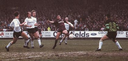 PORT VALE FA CUP 1990 to 91 action2