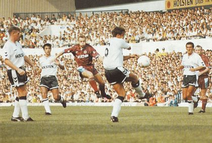 Tottenham away 1990 to 91 action2