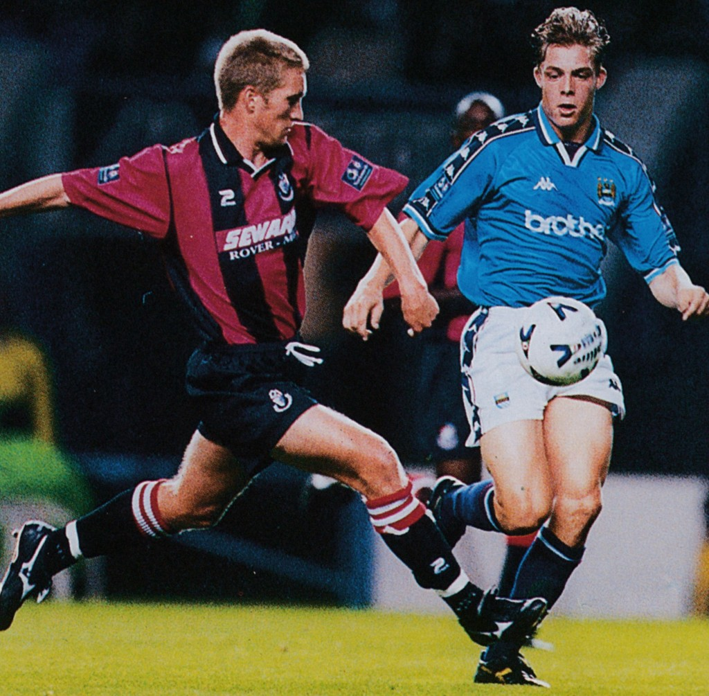 bournemouth home 1998 to 99 action5