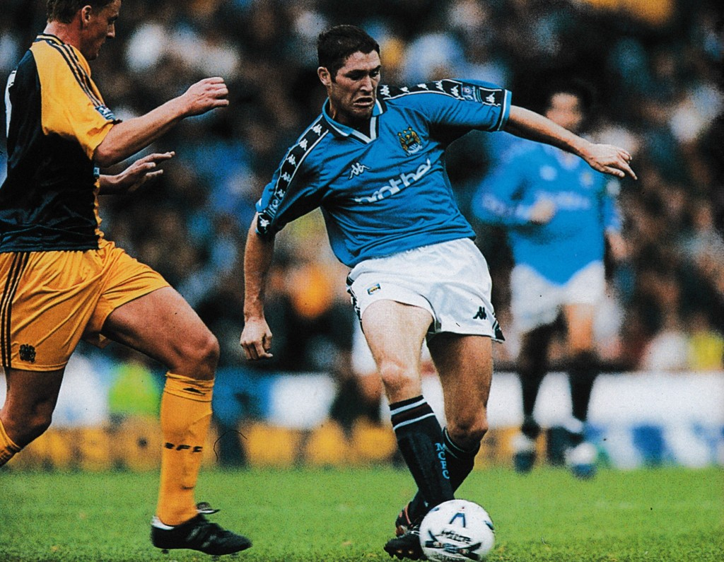 burnley home 1998 to 99 action12