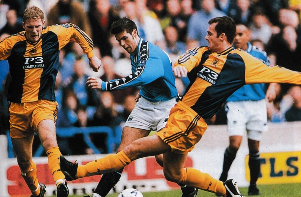 burnley home 1998 to 99 action13