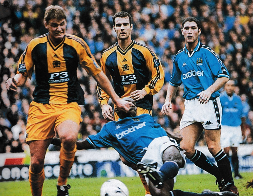 burnley home 1998 to 99 action15
