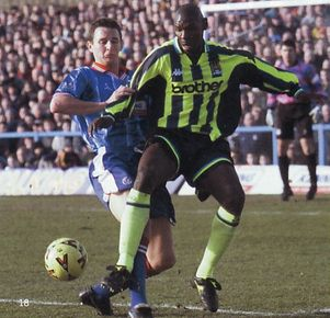 chesterfield away 1998 to 99 action2