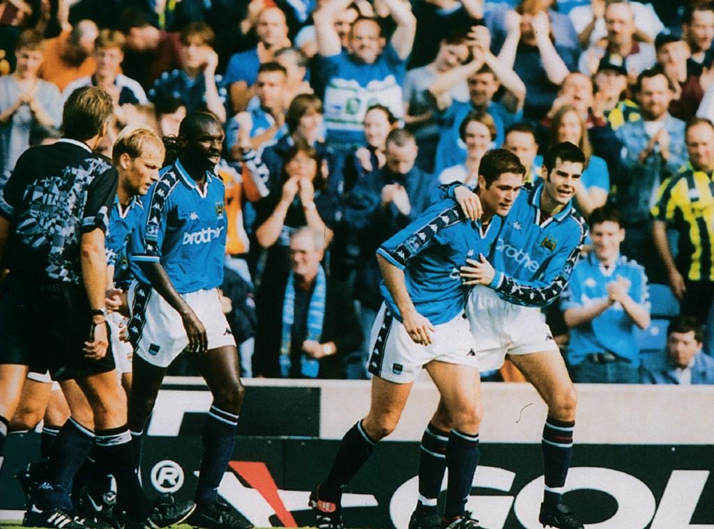 chesterfield home 1998 to 99 bradbury goal1