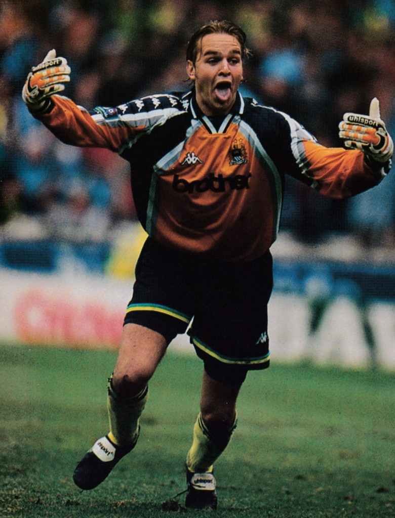 gillingham play off 1998 to 99 weaver celeb 5
