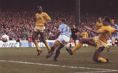 leeds home 1990 to 91 action