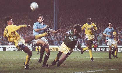 leeds home 1990 to 91 action2