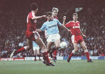 liverpool away 1990 to 91 action
