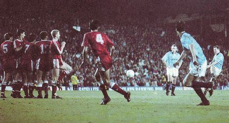 liverpool away 1990 to 91 action2