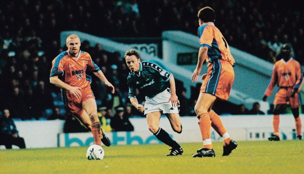 luton home 1998 to 99 action2