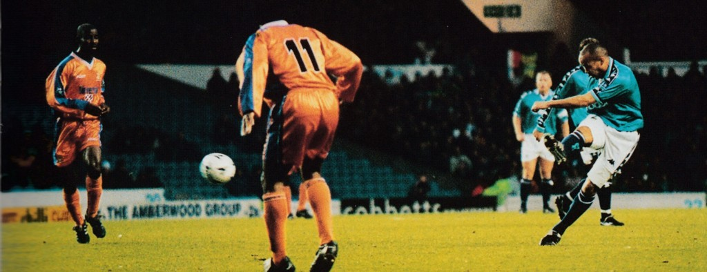 luton home 1998 to 99 action3