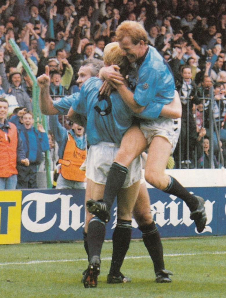 man utd home 1990 hendry goal7