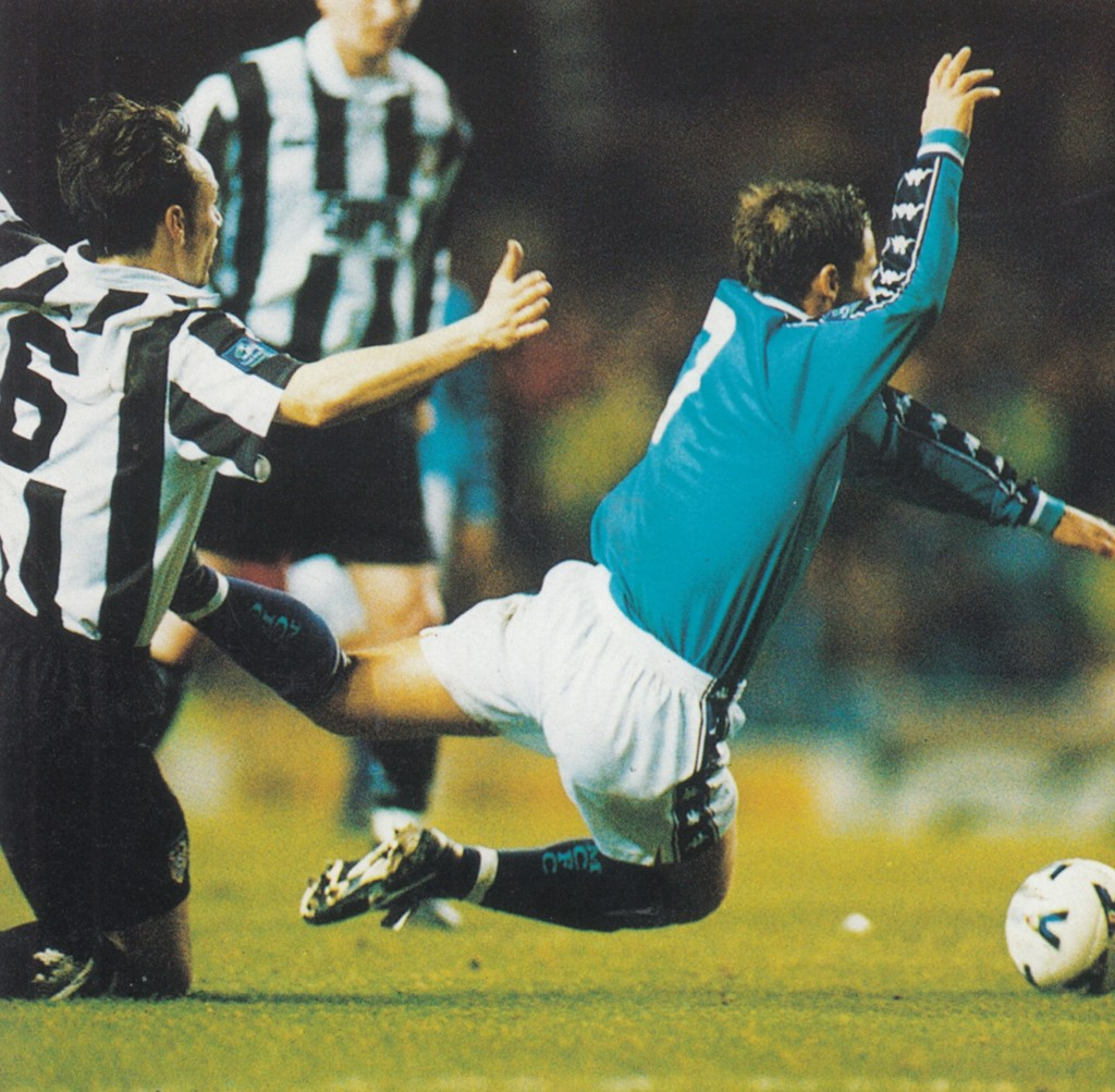 notts county home 1998 to 99 action8
