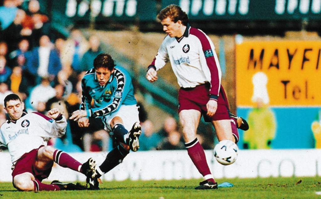 oldham home 1998 to 99 action8