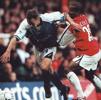 arsenal away 2000 to 01 action3