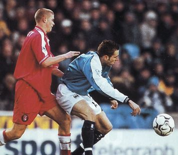 charlton home 2000 to 01 action3