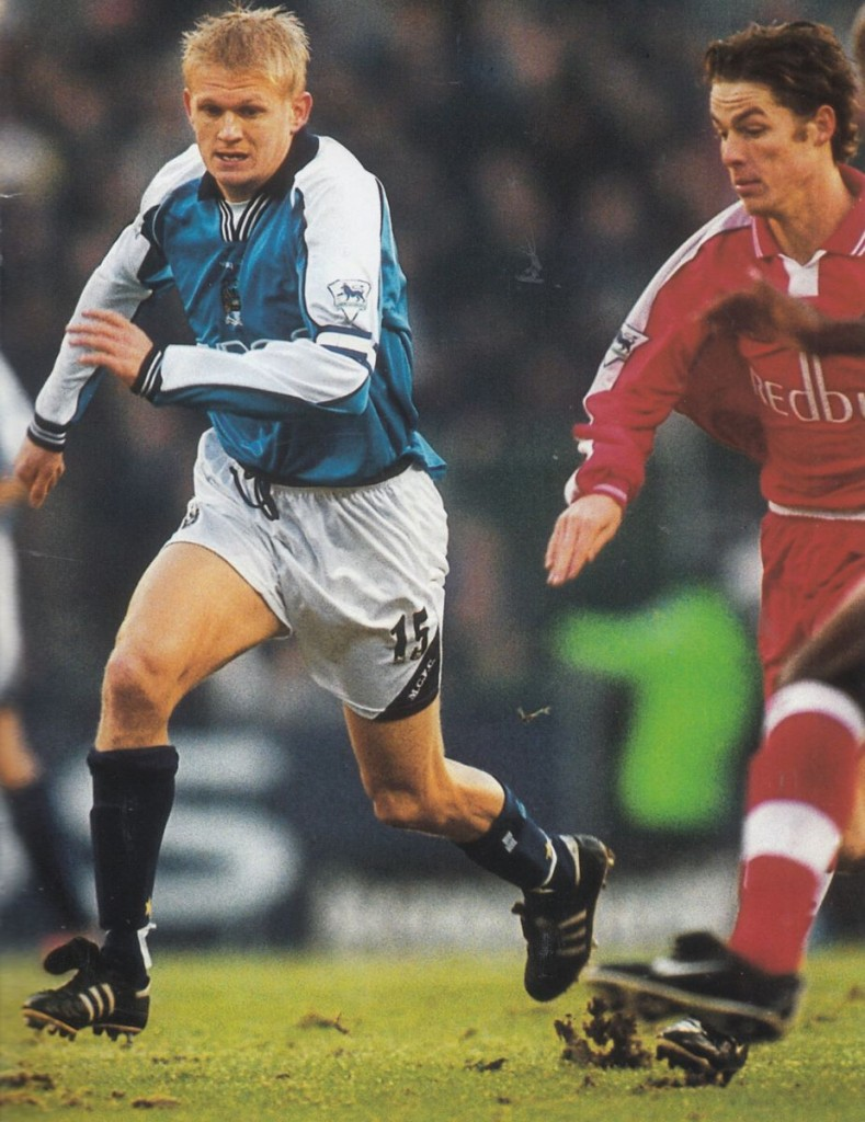 charlton home 2000 to 01 action6
