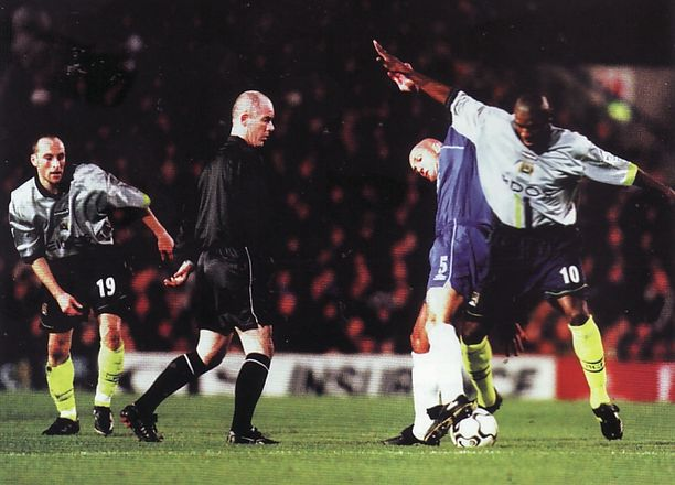 chelsea away 2000 to 01 action
