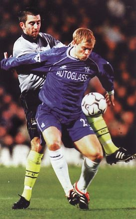 chelsea away 2000 to 01 action2