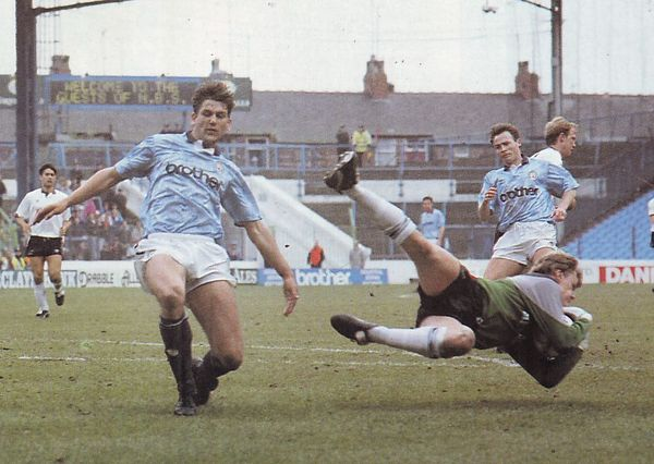 derby home 1990 to 91 action2
