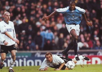 derby home 2000 to 01 action3