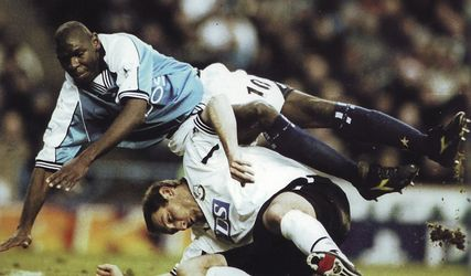 derby home 2000 to 01 action5