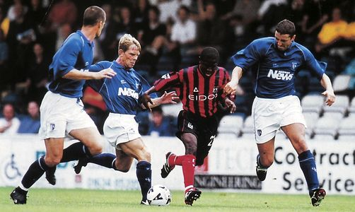 gillingham friendly 2000 to 01 action3