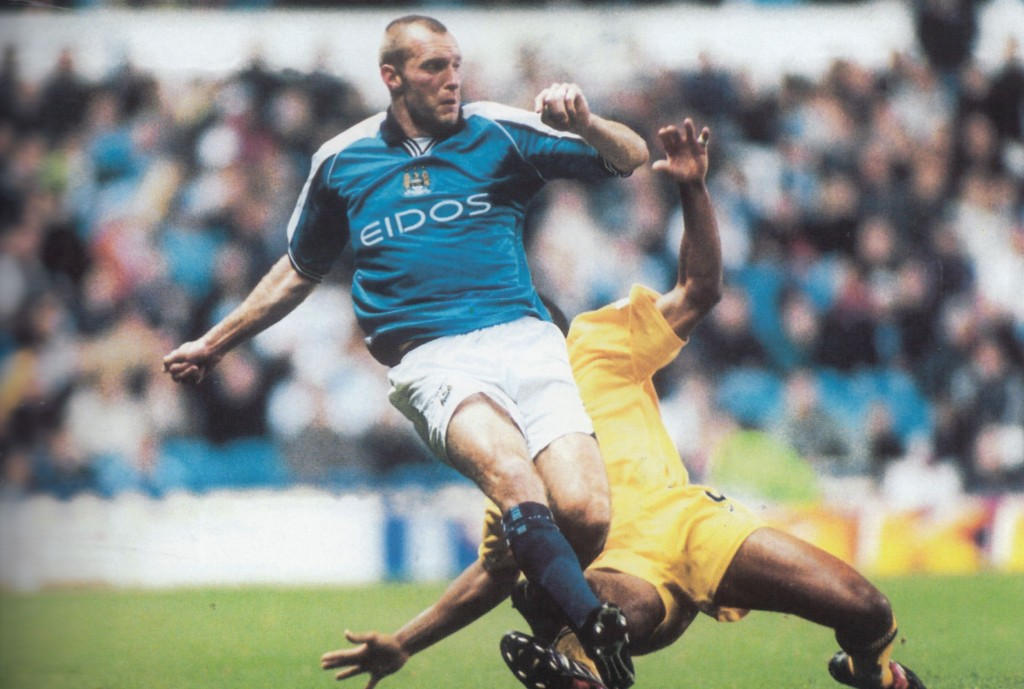 gillingham league cup home 2000 to 01 action