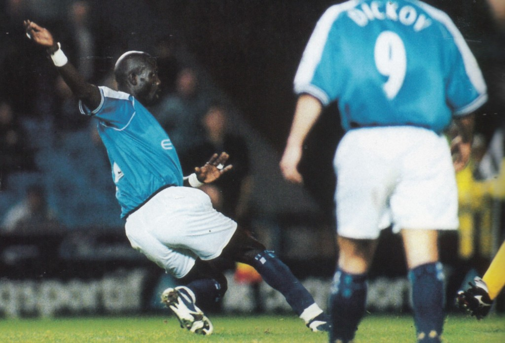 gillingham league cup home 2000 to 01 weah goal