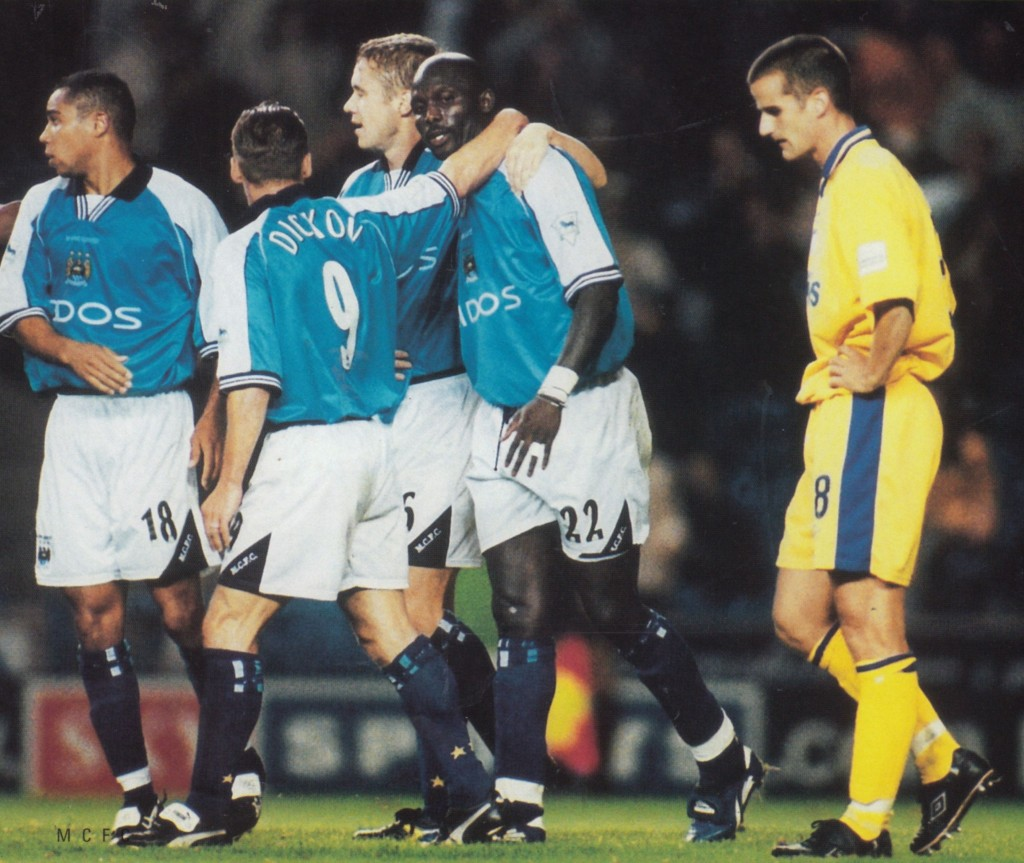 gillingham league cup home 2000 to 01 weah goal2