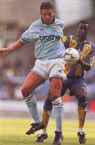 leeds home 1993 to 94 action2