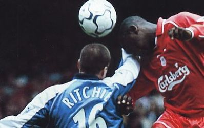 liverpool away 2000 to 01 action3