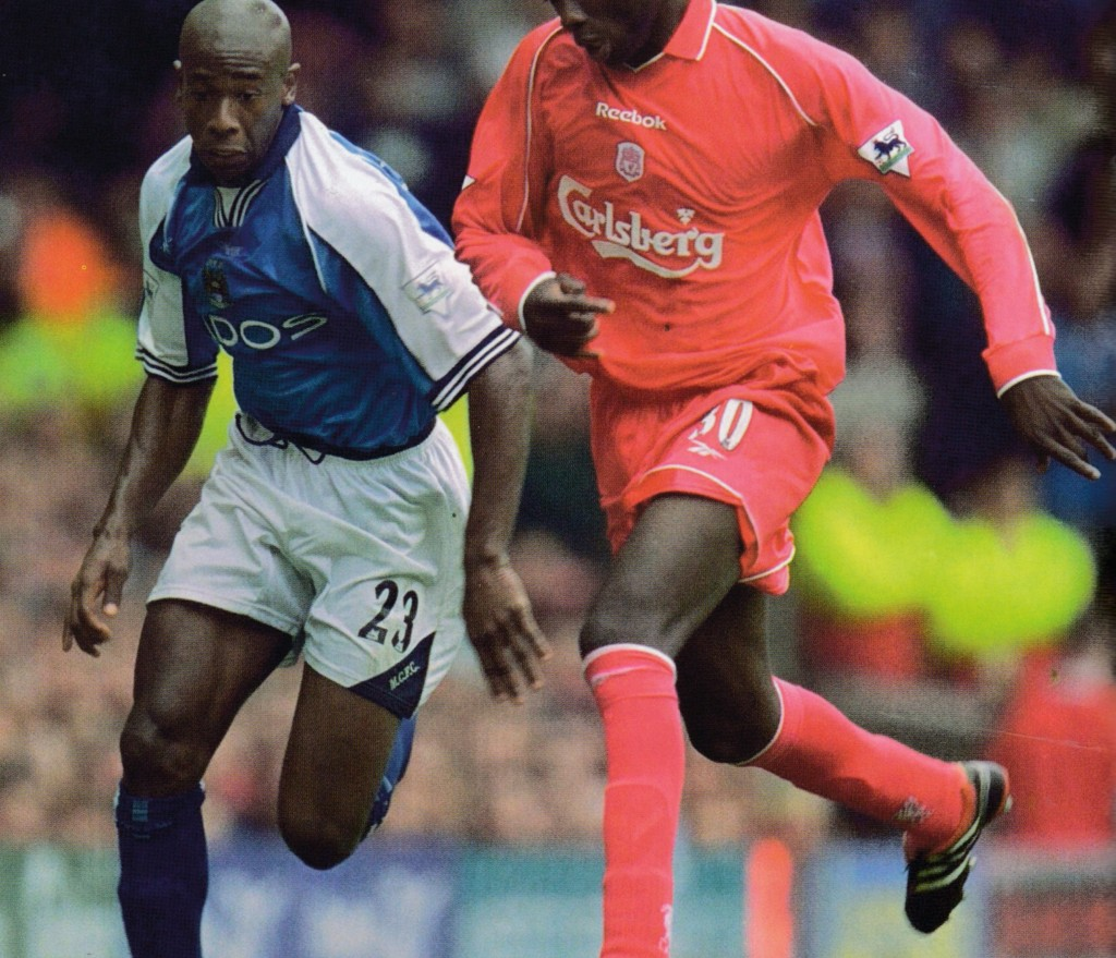 liverpool away 2000 to 01 action6