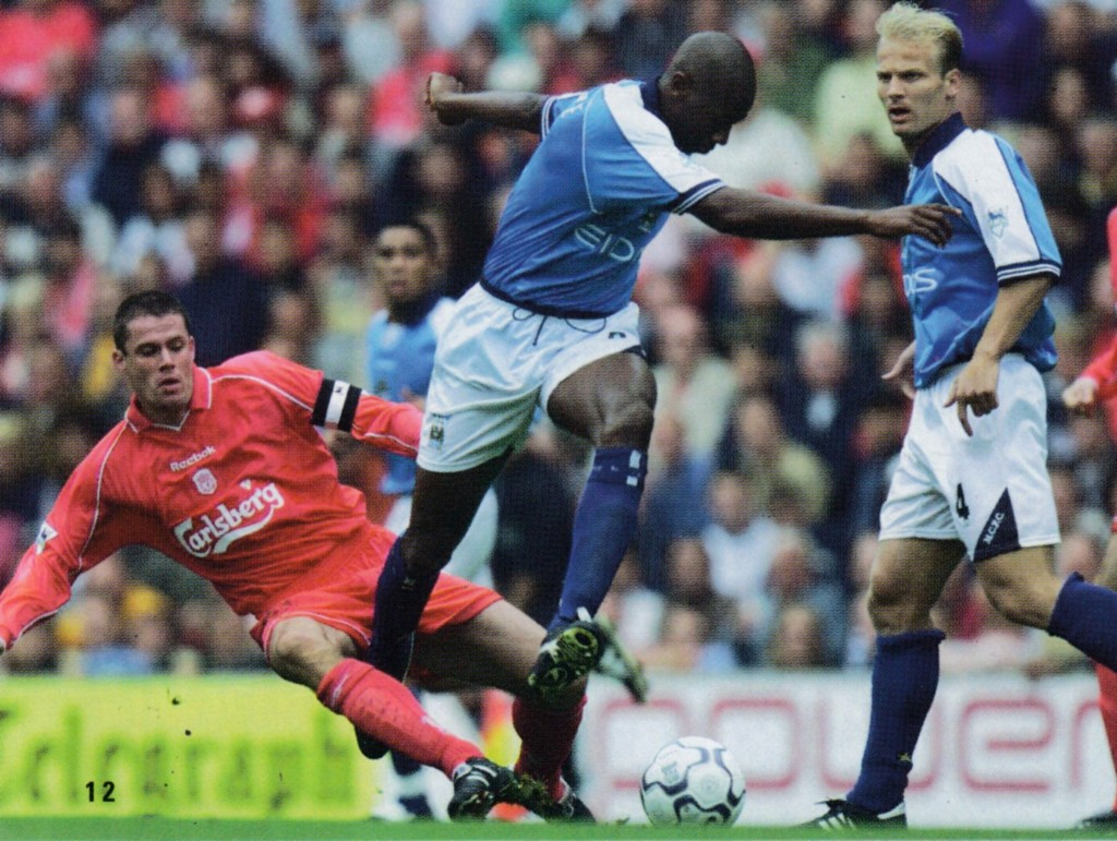 liverpool away 2000 to 01 action7