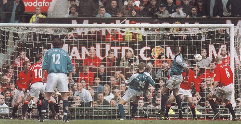 man utd away 2000 to 01 action howey goal