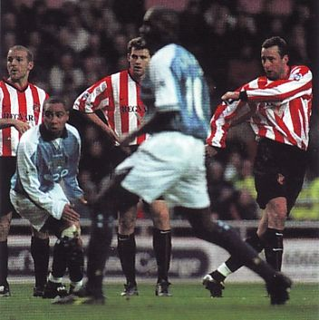 sunderland away 2000 to 01 action