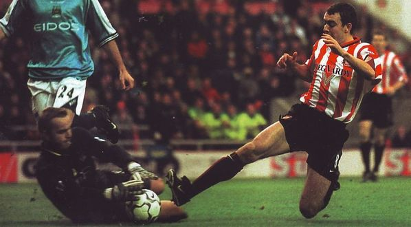 sunderland away 2000 to 01 action3