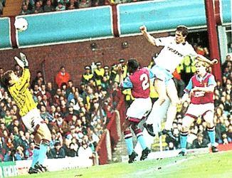 aston villa away 1992 to 93 quinn goal
