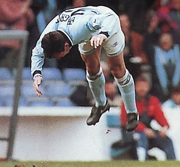 aston villa home 1993 to 94 beagrie goal