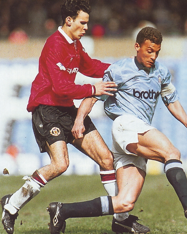 man united home 1992 to 93 action4