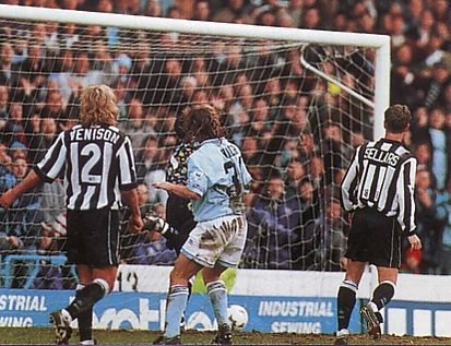 newcastle home 1993 to 94 walsh goal