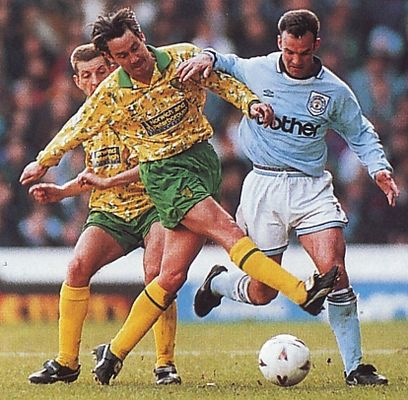 norwich home 1993 to 94 action2