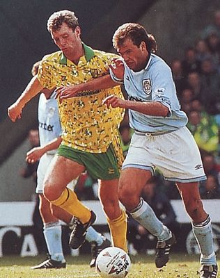 norwich home 1993 to 94 action3